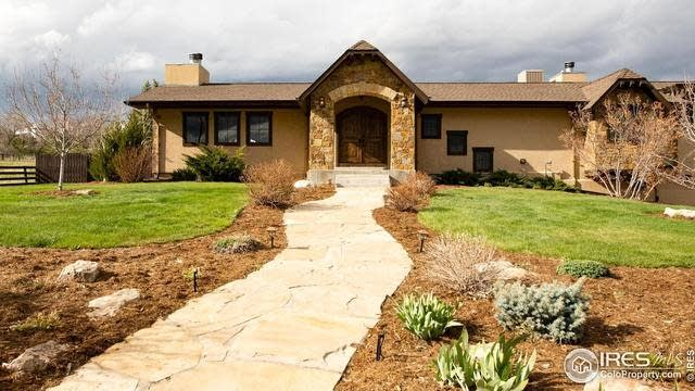 Photo 1 of 40 - 8005 W 108th Ave, Broomfield, CO 80021