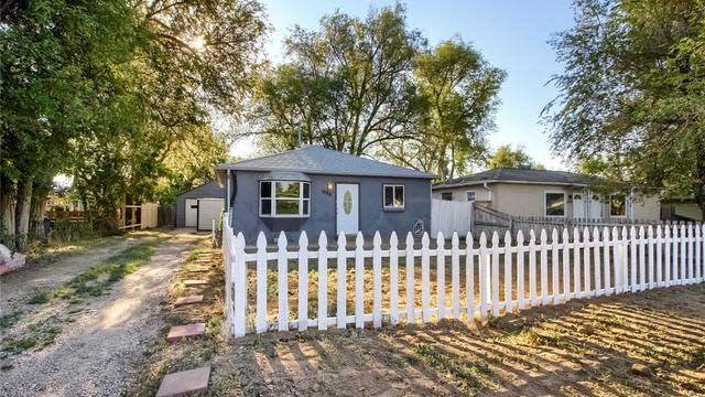 Photo 1 of 17 - 1360 Balsam St, Lakewood, CO 80214