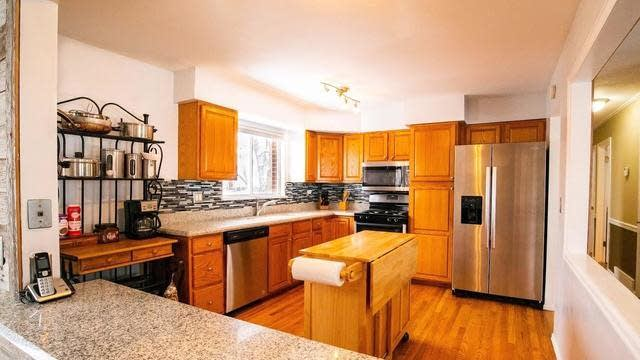 Photo 1 of 28 - 11049 W 62nd Pl, Arvada, CO 80004