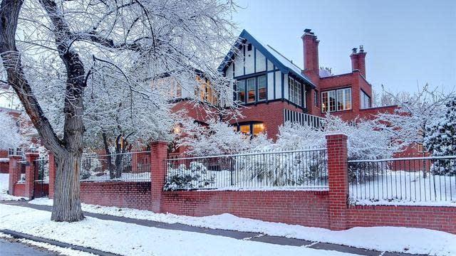 Photo 1 of 40 - 818 Vine St, Denver, CO 80206