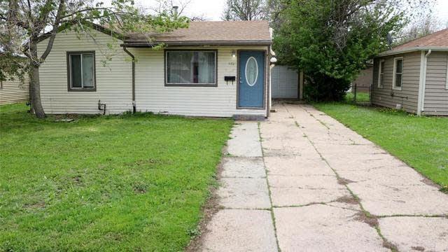 Photo 1 of 34 - 1172 Newark St, Aurora, CO 80010