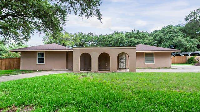 Photo 1 of 27 - 3730 Marymont Dr, San Antonio, TX 78217
