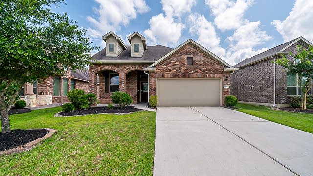 Photo 1 of 39 - 12322 Breckenwood Mills Dr, Humble, TX 77346