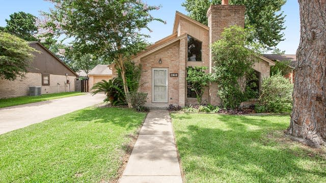 Photo 1 of 17 - 21618 Park Valley Dr, Katy, TX 77450