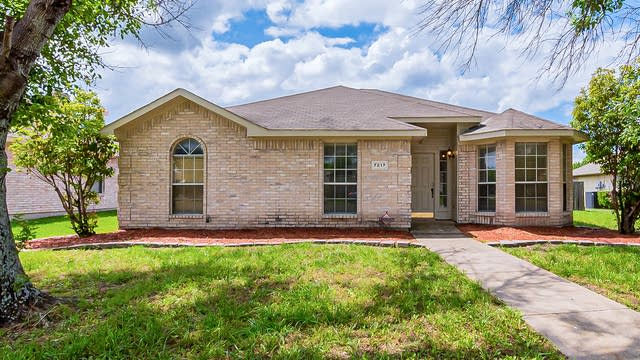 Photo 1 of 21 - 7217 Airline Dr, Rowlett, TX 75089