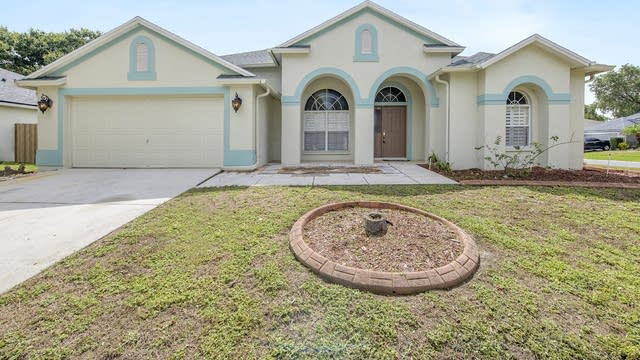 Photo 1 of 19 - 10449 Ashley Oaks Dr, Riverview, FL 33578