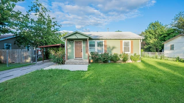 Photo 1 of 20 - 826 Ronald St, Fort Worth, TX 76108