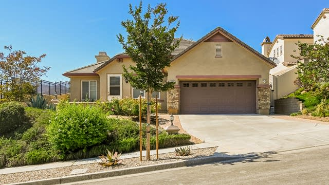 Photo 1 of 27 - 3767 Woodland Oak Pl, Thousand Oaks, CA 91320