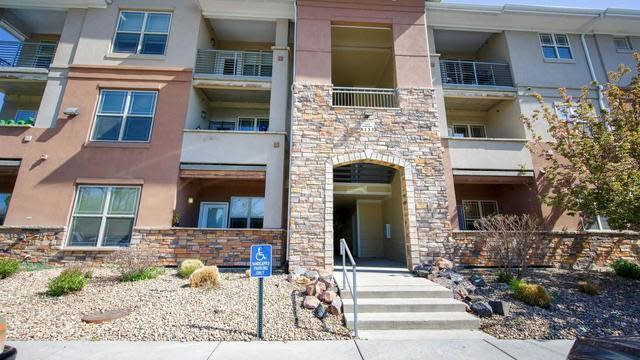 Photo 1 of 25 - 8133 W 51st Pl #204, Arvada, CO 80002