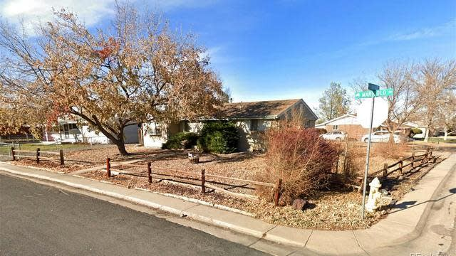 Photo 1 of 18 - 1441 Marigold Dr, Denver, CO 80221