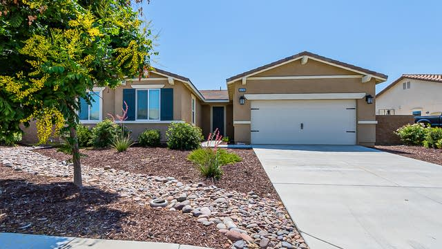 Photo 1 of 18 - 34786 Armstrong Rd, Winchester, CA 92596