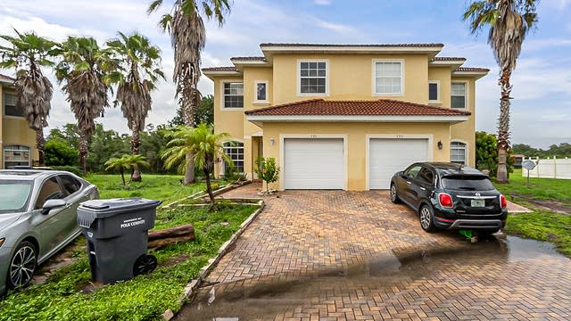 Photo 1 of 28 - 530 Parsley Ct, Kissimmee, FL 34759