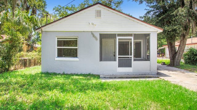 Photo 1 of 12 - 1406 Harbor Dr, Clearwater, FL 33755