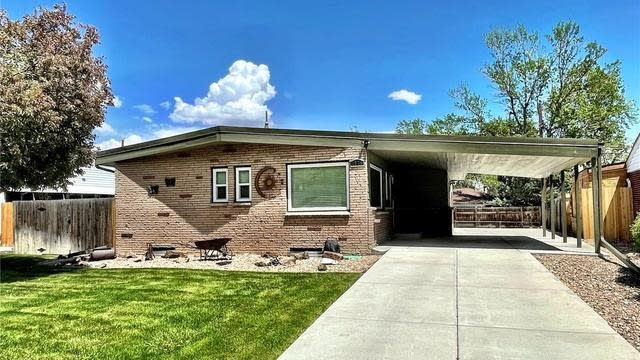 Photo 1 of 28 - 1570 S Chase St, Lakewood, CO 80232