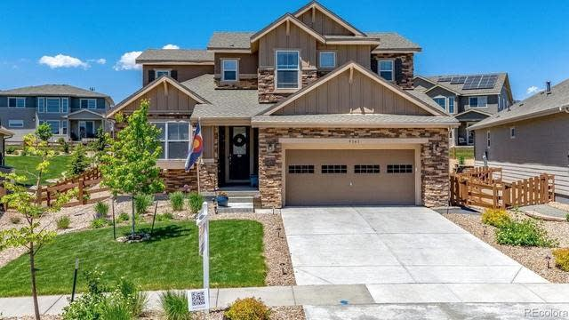 Photo 1 of 32 - 9341 Dunraven St, Arvada, CO 80007