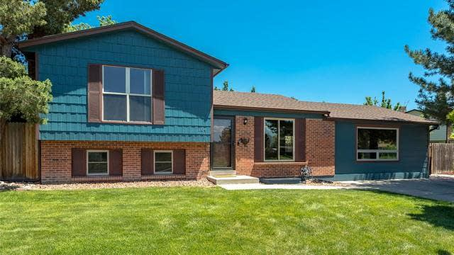 Photo 1 of 23 - 1104 Maple Dr, Broomfield, CO 80020
