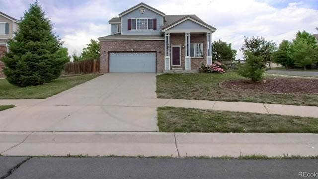 Photo 1 of 28 - 2451 S Andes Cir, Aurora, CO 80013