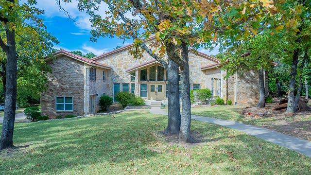 Photo 1 of 32 - 145 Knob Hill Ln, Double Oak, TX 75077